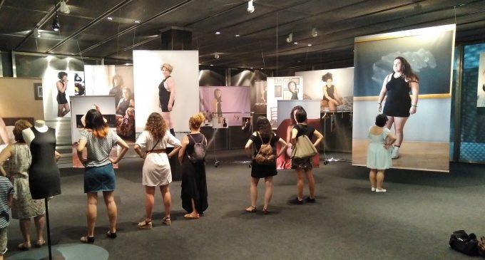 """Yolanda Domínguez y los cánones de belleza: Exposición """"Little Black Dress"""""""