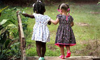 Entrevista sobre sexismo e infancia con Iria Marañón, autora de «Educar en feminismo»